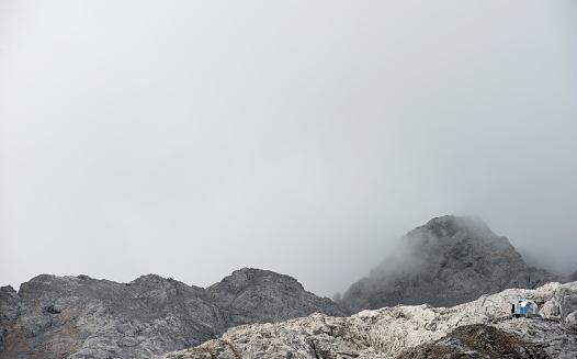 Igloo「Silver Igloo Refuge, Picos de Europa, Cabrales, Asturias, Spain」:スマホ壁紙(14)