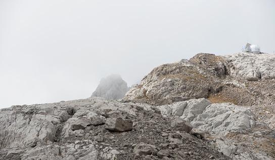 Igloo「Silver Igloo Refuge, Picos de Europa, Cabrales, Asturias, Spain」:スマホ壁紙(15)