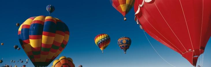 虹「This is the 25th Annual Albuquerque International Balloon Fiesta. It shows the mass ascension of colorful balloons.」:スマホ壁紙(5)