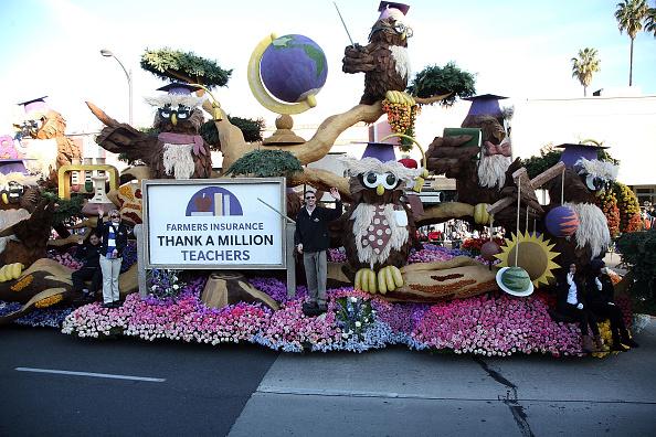 "Land Vehicle「Farmers Insurance ""Thanks A Million Teachers"" At The 2014 Rose Parade」:写真・画像(6)[壁紙.com]"