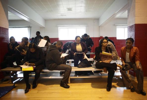 City Life「Job Seekers Look For Work At Career Fair In Detroit」:写真・画像(18)[壁紙.com]