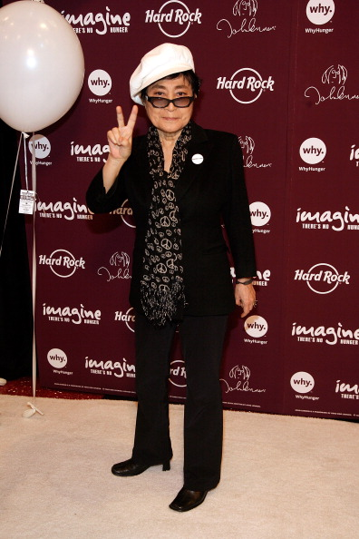 "Black Pants「Yoko Ono Lennon & Hard Rock International Launch The ""Imagine There's No Hunger"" Campaign」:写真・画像(15)[壁紙.com]"