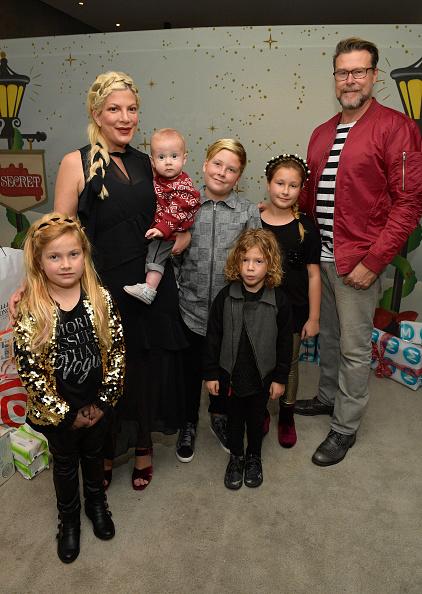 Tori Spelling「7th Annual Santa's Secret Workshop Benefiting LA Family Housing」:写真・画像(7)[壁紙.com]