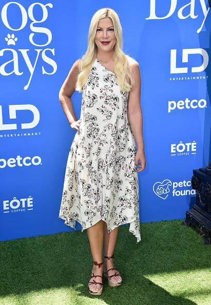 "Tori Spelling「Premiere Of LD Entertainment's ""Dog Days"" - Arrivals」:写真・画像(10)[壁紙.com]"