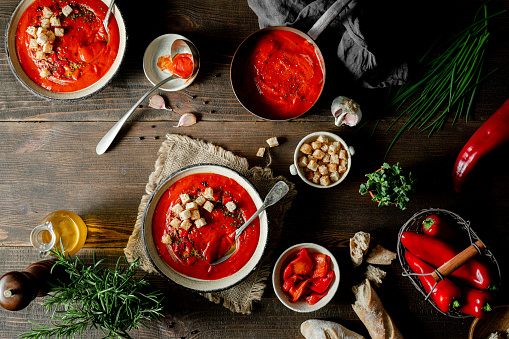 Chili Sauce「Red pepper soup with ingredients on a table」:スマホ壁紙(1)