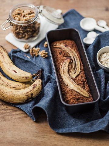Walnut「Healthy Food vegan banana bread and ingredients」:スマホ壁紙(3)