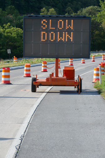 Pennsylvania「Slow Down Highway Warning Sign in Construction Zone」:スマホ壁紙(5)