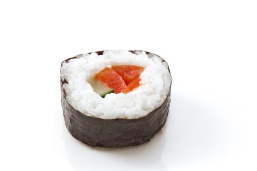 Seaweed「Maki-Sushi with tomatoe and cucumber」:スマホ壁紙(2)