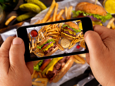 Using Phone「Food Selfie of Burgers and Fries」:スマホ壁紙(18)