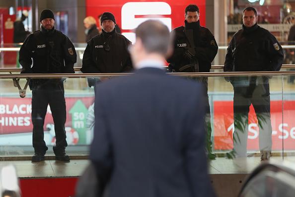 Netherlands「Hanover Day After Terror Scare」:写真・画像(12)[壁紙.com]