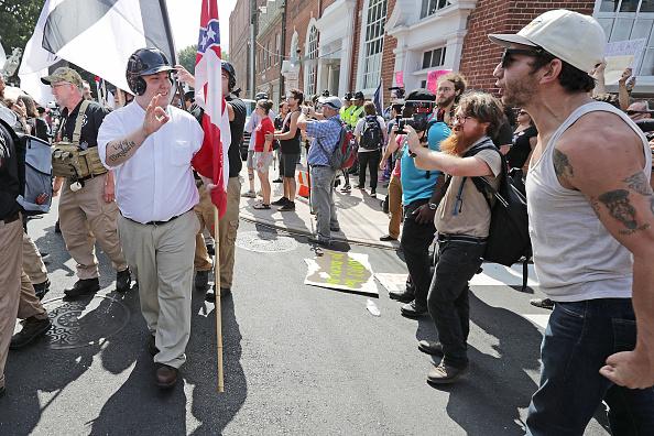 ネオナチ「Violent Clashes Erupt at 'Unite The Right' Rally In Charlottesville」:写真・画像(15)[壁紙.com]