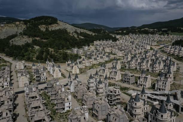 Turkey's Abandoned 'Castle' Community:ニュース(壁紙.com)