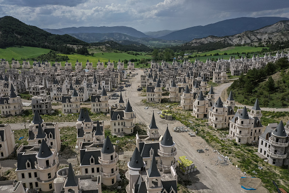 Bestpix「Turkey's Abandoned 'Castle' Community」:写真・画像(3)[壁紙.com]