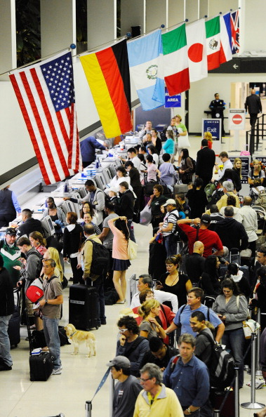 LAX Airport「United Airlines Computer Glitch Hampers Travel Nationwide」:写真・画像(19)[壁紙.com]