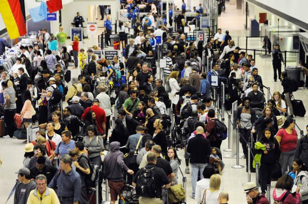 United Airlines Computer Glitch Hampers Travel Nationwide:ニュース(壁紙.com)