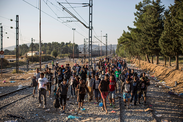 2015-2016 European Migrant Crisis「Migrants Gather At Greece-Macedonia Border As They Continue Their Journey Into Europe」:写真・画像(2)[壁紙.com]