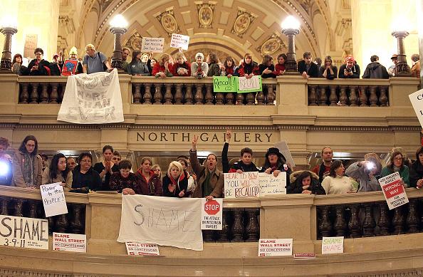 政府「Wisconsin Senate Passes Ban On Collective Bargaining By Public Sector Unions」:写真・画像(7)[壁紙.com]