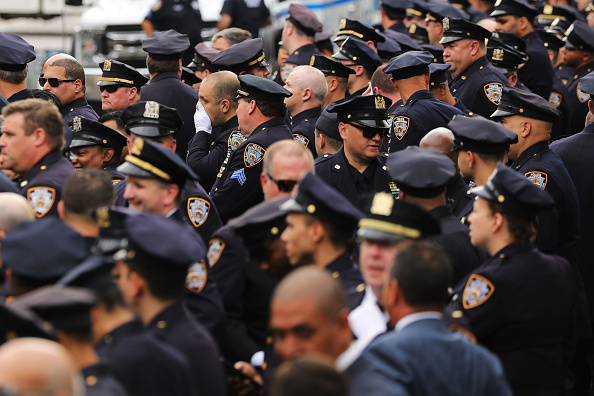 Detective「Funeral Held For 9/11 First Responder  Luis Alvarez」:写真・画像(8)[壁紙.com]