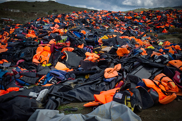 Hiding「Greek Island Of Lesbos On The Frontline Of the Migrant Crisis」:写真・画像(18)[壁紙.com]
