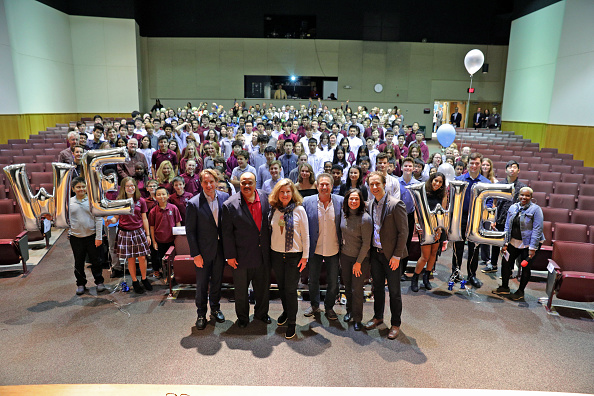 Andy Phillips「Hundreds Of Local Youth Gather At The International School Of Minnesota For WE DayX」:写真・画像(0)[壁紙.com]