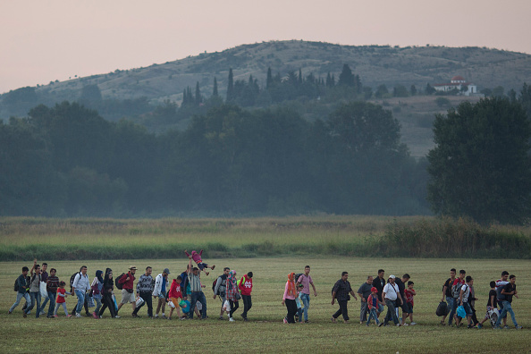 2015-2016 European Migrant Crisis「Migrants Gather At Greece-Macedonia Border As They Continue Their Journey Into Europe」:写真・画像(4)[壁紙.com]