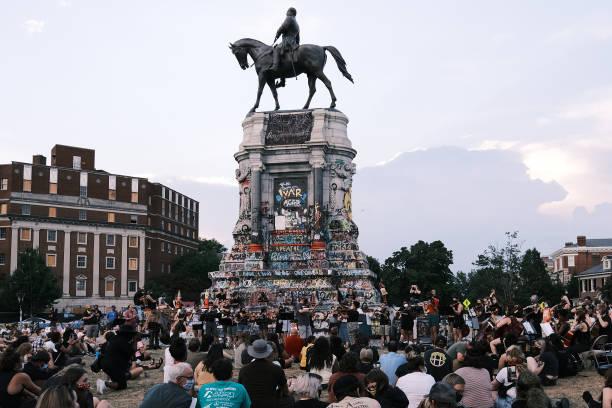 Violin Vigil Held For Elijah McClain In Richmond, Virginia:ニュース(壁紙.com)