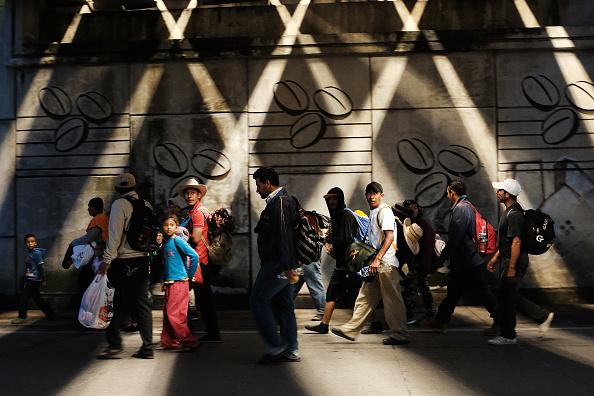 Refugee「Thousands Of Hondurans In Migrant Caravan Continue March Through Mexico」:写真・画像(0)[壁紙.com]