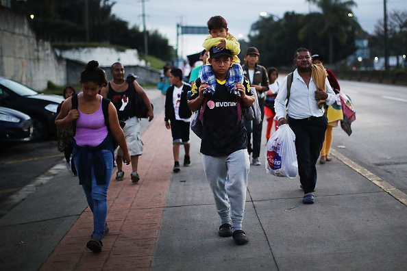 Travel Destinations「Thousands Of Hondurans In Migrant Caravan Continue March Through Mexico」:写真・画像(18)[壁紙.com]