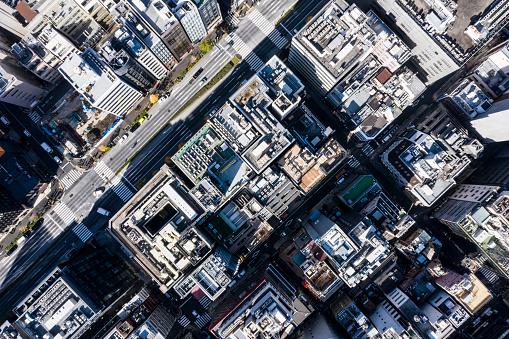 Effort「Urban landscape with building and big road」:スマホ壁紙(16)