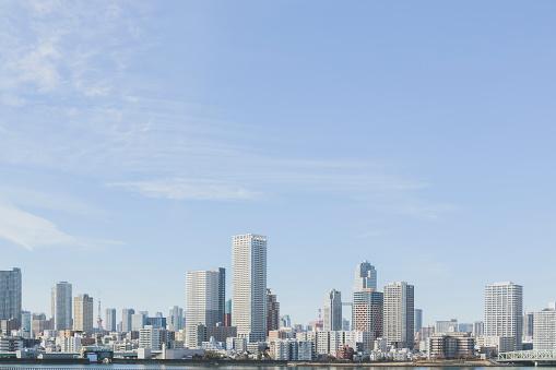 澄んだ空「東京の都会の景観」:スマホ壁紙(9)