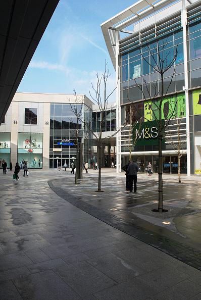 余白「Urban landscaping within the shopping quarter of Eden Shopping Centre, High Wycombe, UK」:写真・画像(5)[壁紙.com]