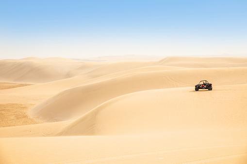 Driving「Dune Buggy ride in the desert, Qatar」:スマホ壁紙(4)
