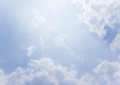 雲「Clouds」:スマホ壁紙(4)