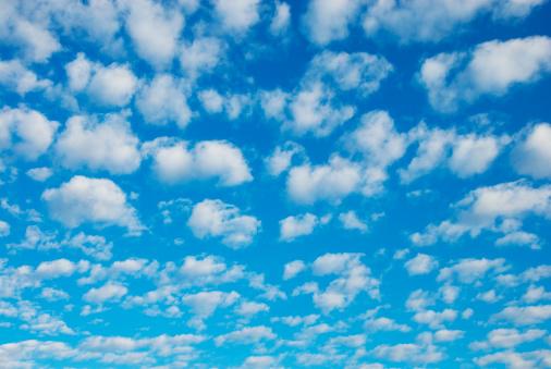 雲「Clouds」:スマホ壁紙(6)