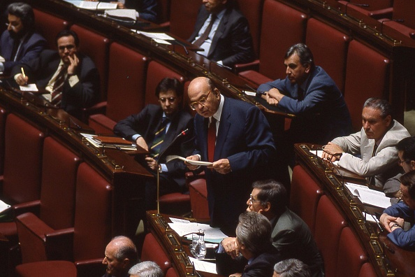 Parliament Building「Politician Bettino Craxi speaks for the last time at the Italian Parliament, Rome 1993」:写真・画像(0)[壁紙.com]