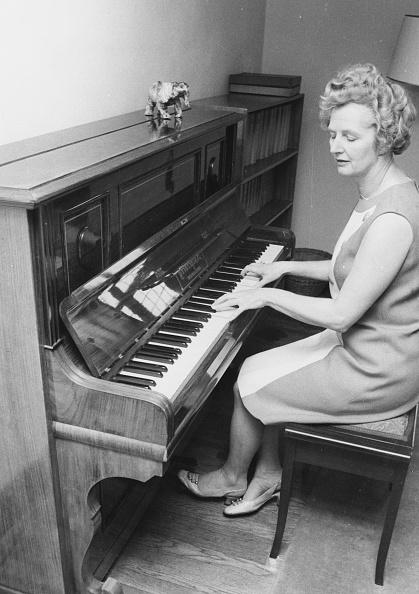 楽器「Margaret Thatcher」:写真・画像(3)[壁紙.com]