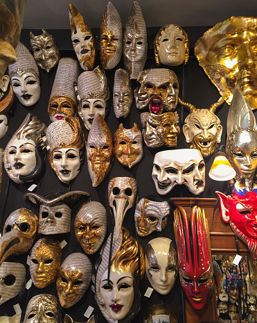 カーニバル「Assorted Carnivale Masks, Venice」:スマホ壁紙(9)