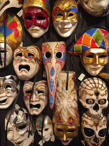 カーニバル「Assorted Carnivale Masks, Venice」:スマホ壁紙(8)