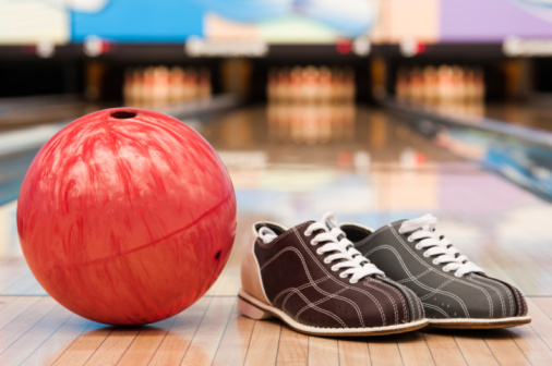 Shoe「Bowling ball and shoes on lane」:スマホ壁紙(2)