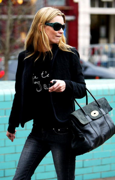Purse「Kate Moss Out In Notting HIll」:写真・画像(16)[壁紙.com]