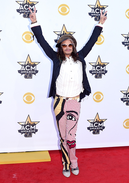T 「50th Academy Of Country Music Awards - Arrivals」:写真・画像(1)[壁紙.com]