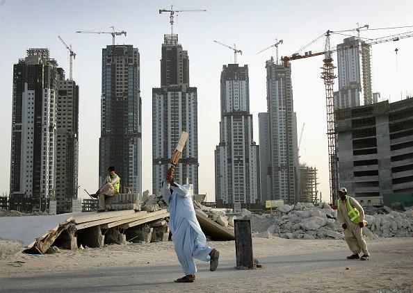 United Arab Emirates「Construction Workers on Dubai Building Site」:写真・画像(7)[壁紙.com]