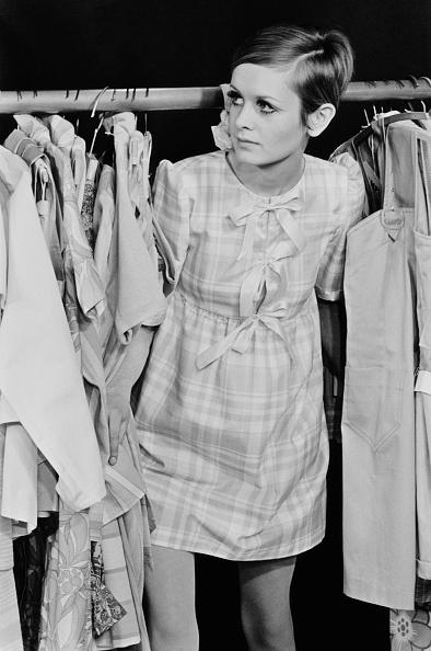 Twiggy - Fashion Model「Twiggy Dresses」:写真・画像(1)[壁紙.com]