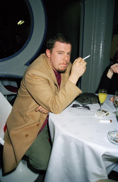 男性一人「Alexander McQueen」:写真・画像(10)[壁紙.com]
