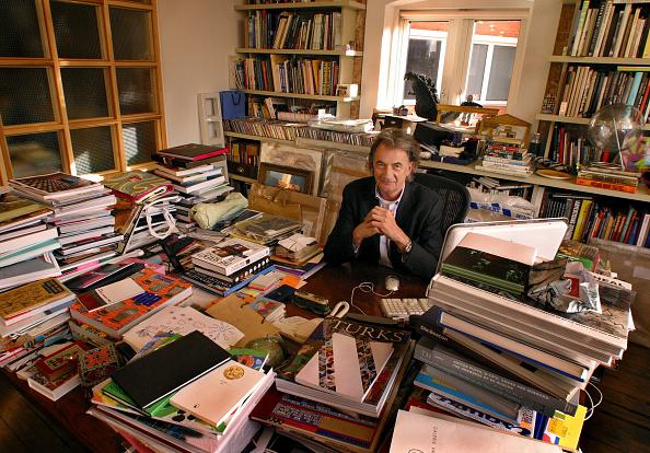 Desk「Paul Smith At His Office」:写真・画像(14)[壁紙.com]