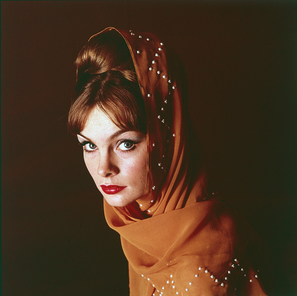 Bangs「Portrait of Model Jean Shrimpton」:写真・画像(18)[壁紙.com]