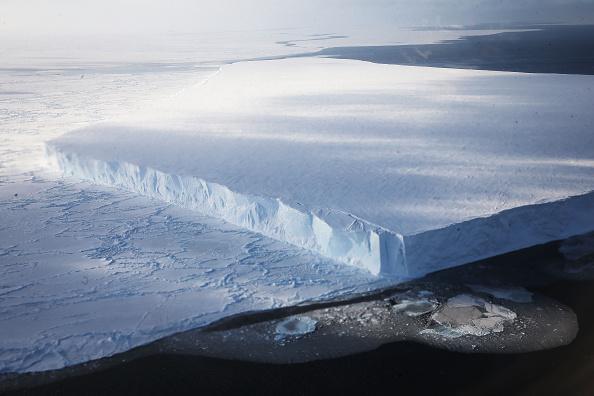 Iceberg - Ice Formation「NASA's Operation IceBridge Maps Changes To Antartica's Ice Mass」:写真・画像(18)[壁紙.com]