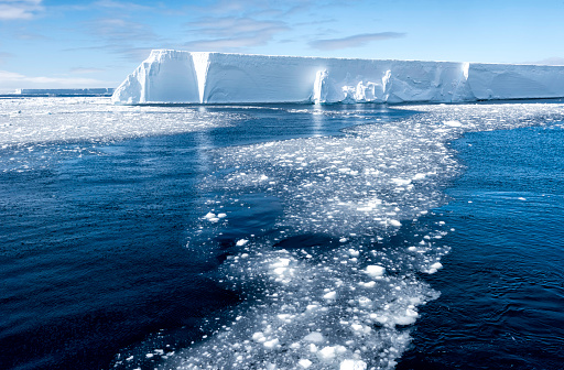 Iceberg - Ice Formation「Tabular Iceberg and Brash Ice, Antarctica」:スマホ壁紙(4)