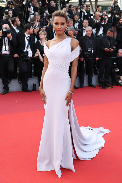 """The Beguiled - 2017 Film「""""The Beguiled"""" Red Carpet Arrivals - The 70th Annual Cannes Film Festival」:写真・画像(7)[壁紙.com]"""