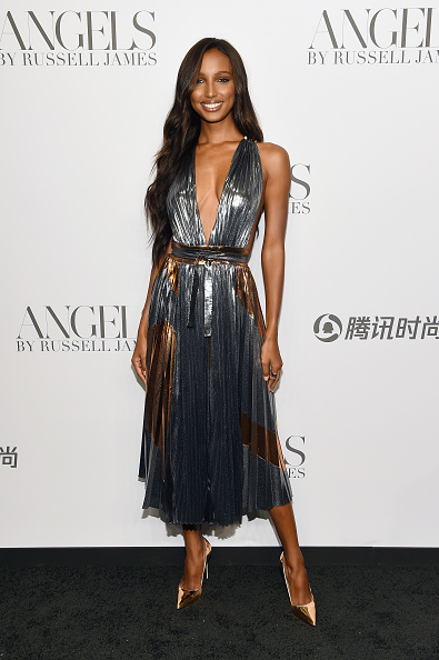 """Book Release「Cindy Crawford And Candice Swanepoel Host """"ANGELS"""" By Russell James Book Launch And Exhibit - Arrivals」:写真・画像(15)[壁紙.com]"""